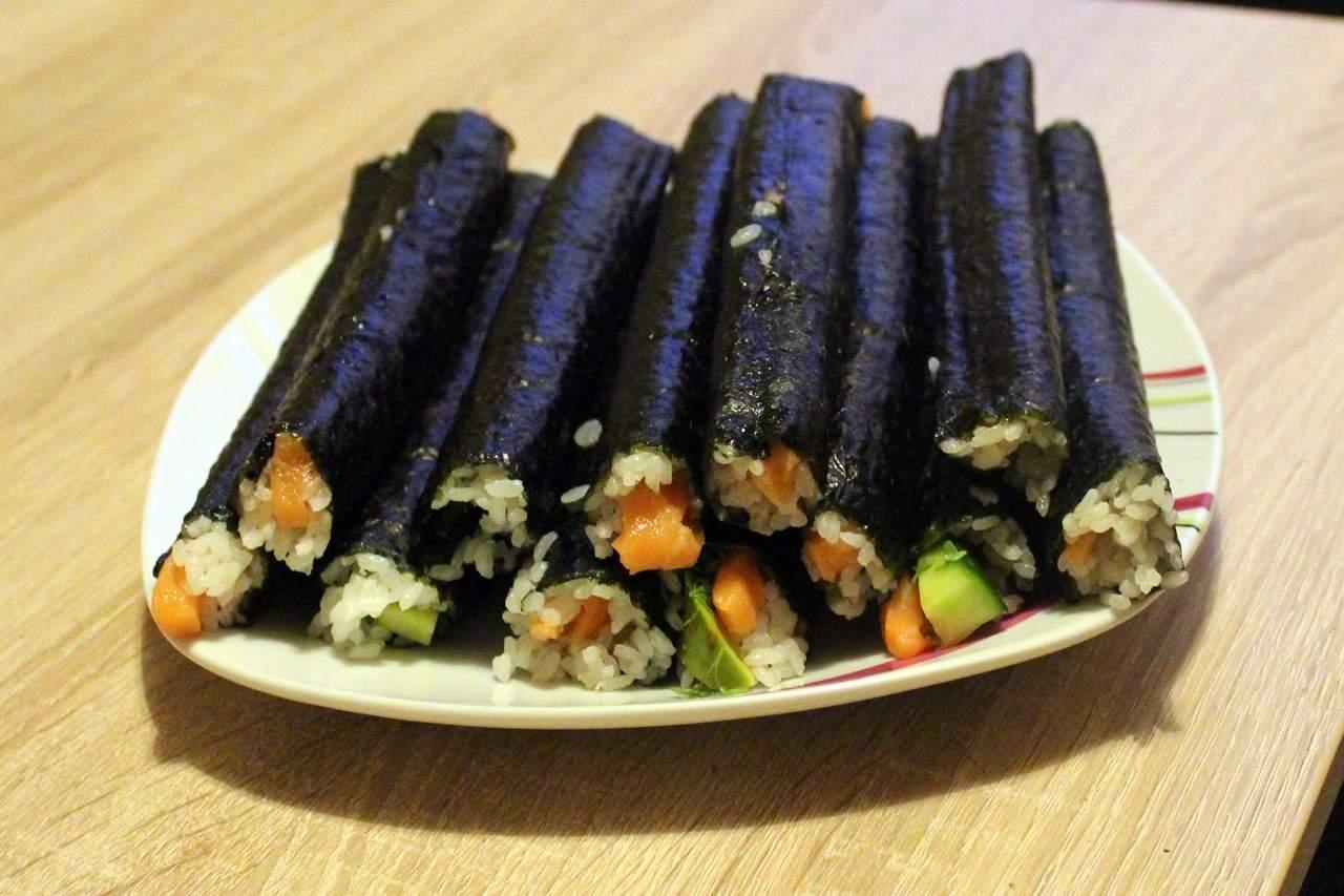 sushi box test sushi selber machen samt zubeh r. Black Bedroom Furniture Sets. Home Design Ideas