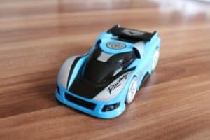 Ferngesteuertes Auto ab 3 Test