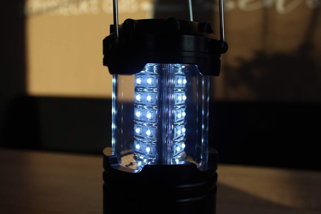 kaltweiße LED-Camping-Laterne