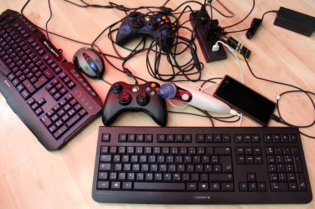 USB-Hub 3.0 Test mit voller Auslastung aller 10 Ports