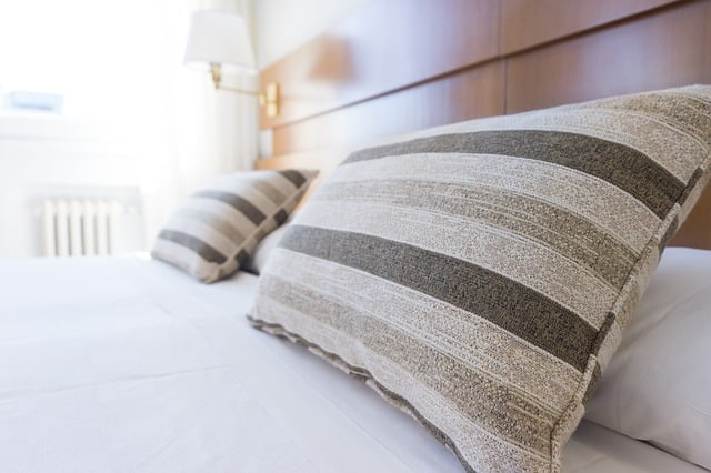 Beratung in einem Bettenfachgeschäft