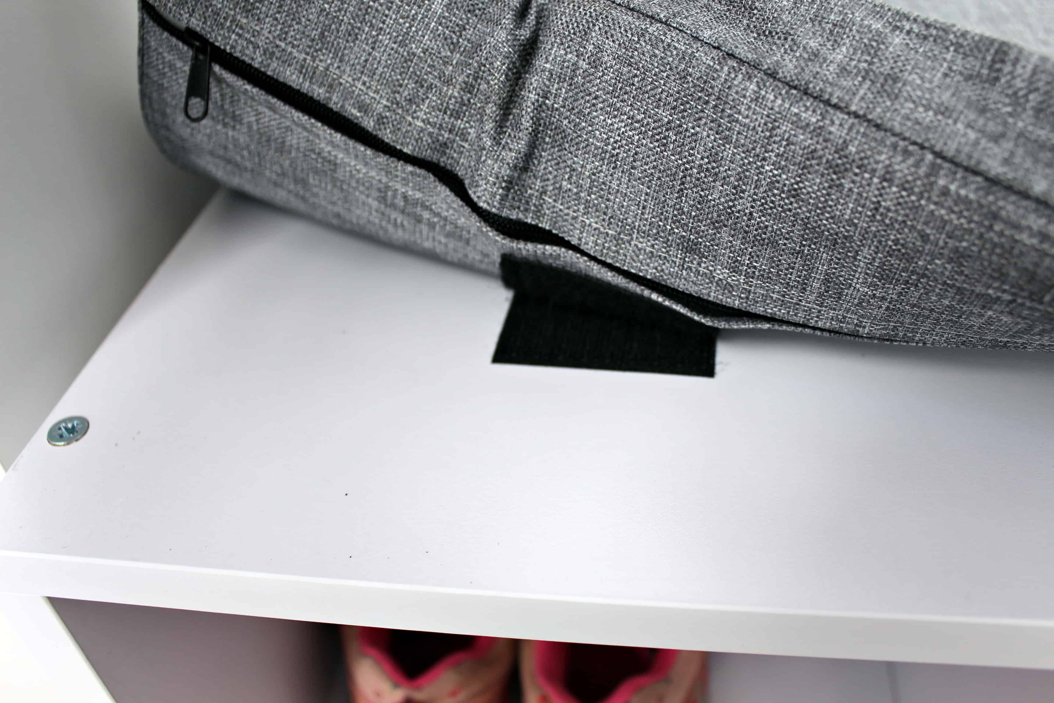 Pads mit Klettverschluss um das Kissen zu befestigen