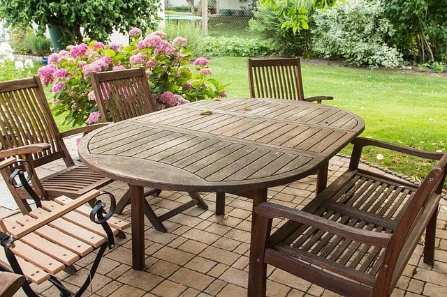 Welche Gartenmöbel kommen auf unsere Terrasse?